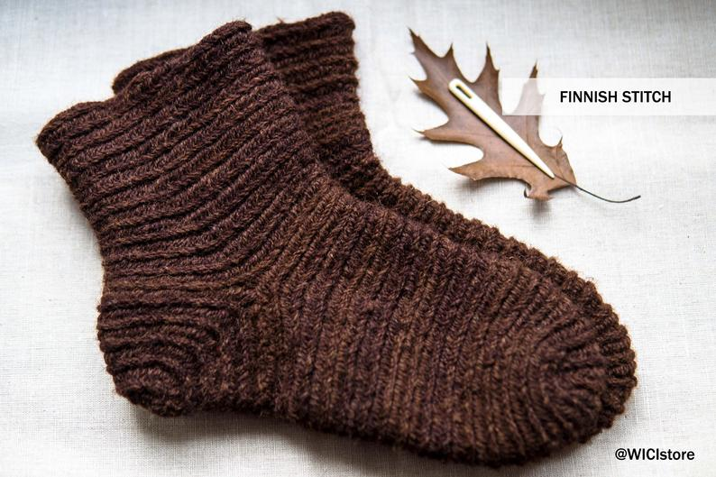 naalbinding socks in Finnish stitch